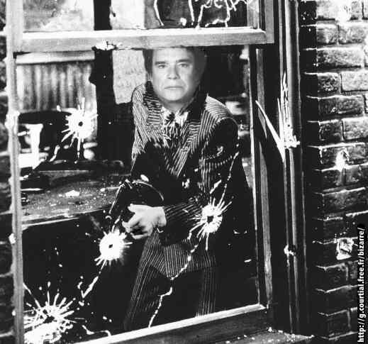 Bernard_Tapie_Al_Capone.jpg